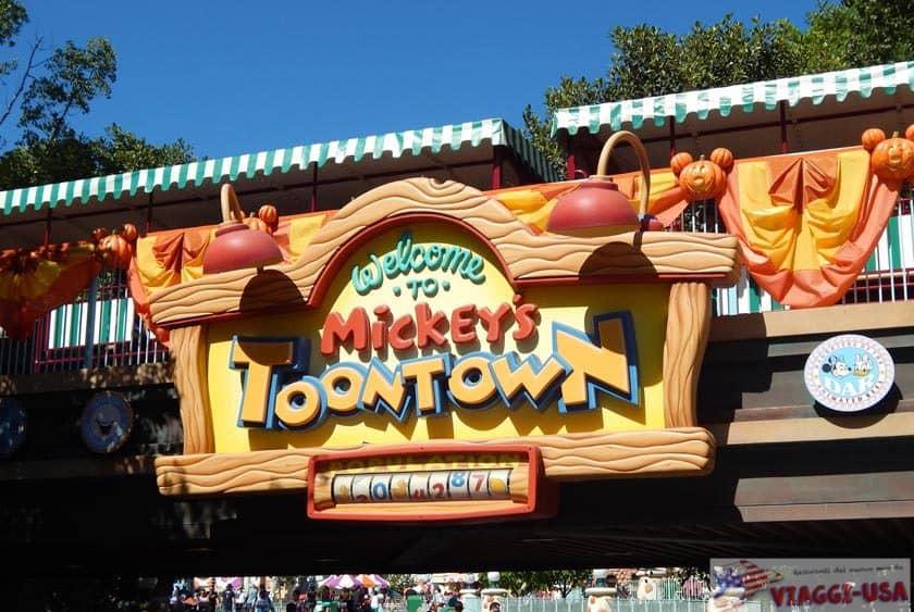 Attractions at Disneyland Park