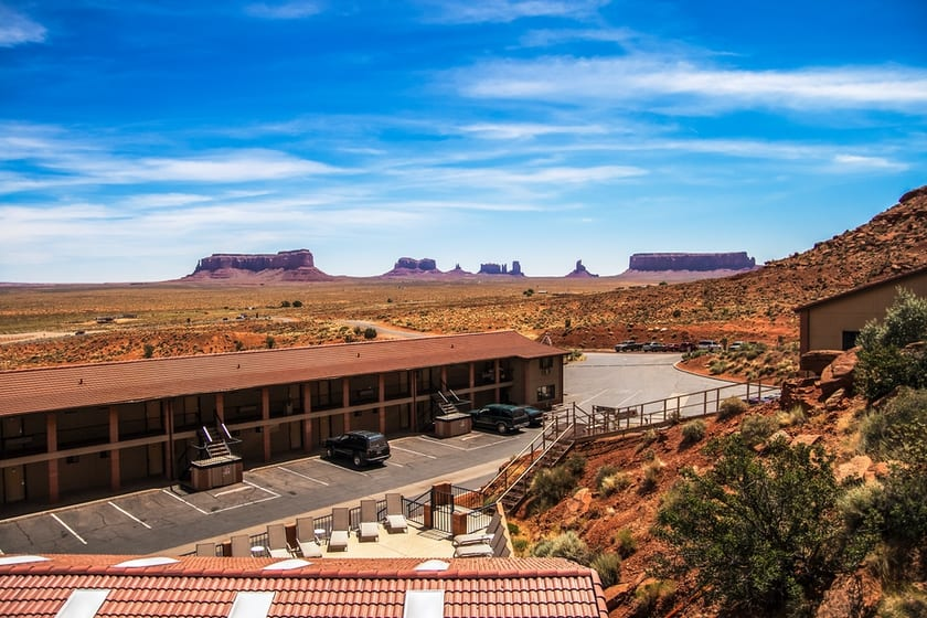 where to stay when visiting monument valley